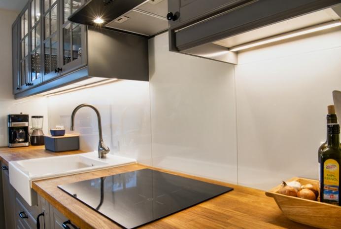 Ratzeburg | Spritzschutz, Abdeckungen sowie Glastüren im Küchenbereich