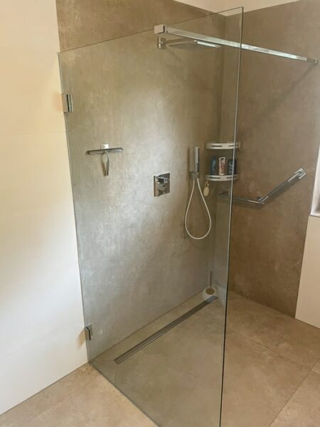 Glaserei Fialkowski Ratzeburg Glastrennwand Dusche