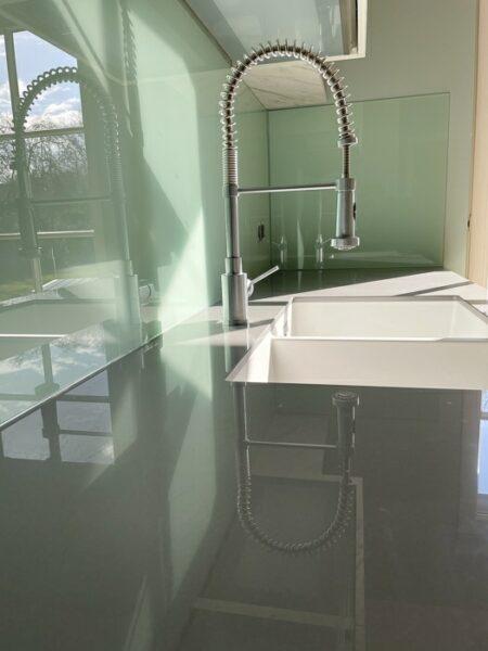 Glaserei Fialkowski Ratzeburg Küchen Spritzschutz Glas